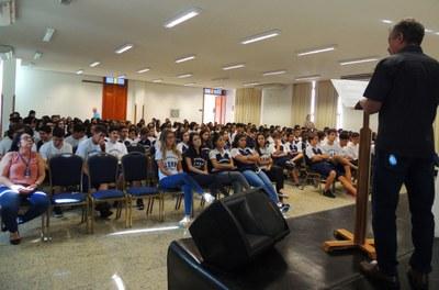 Assembleias conscientizam os alunos sobre preservação do planeta Terra