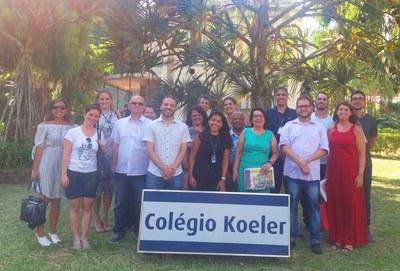 Equipe pedagógica visita Colégio Koeler para vivenciar o sistema PH de Ensino
