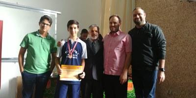 Aluno do Ensino Médio é premiado com medalha na OBMEP