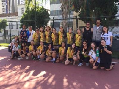 Equipe feminina de Handebol do Granbery ganha ouro no JEMG