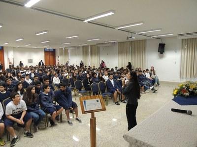 """Estudantes recebem prêmio """"Aluno Destaque"""""""